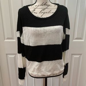 Wild Fable Black and White Cozy Knit Sweater